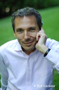 Laurent Gounelle. Photo de Zoé Gardeur pour les éditions Kero