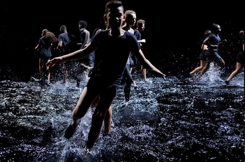 Franchir la nuit (danse), une création de Rachid Ouramdane.