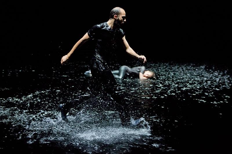 Franchir la nuit (danse), une création de Rachid Ouramdane