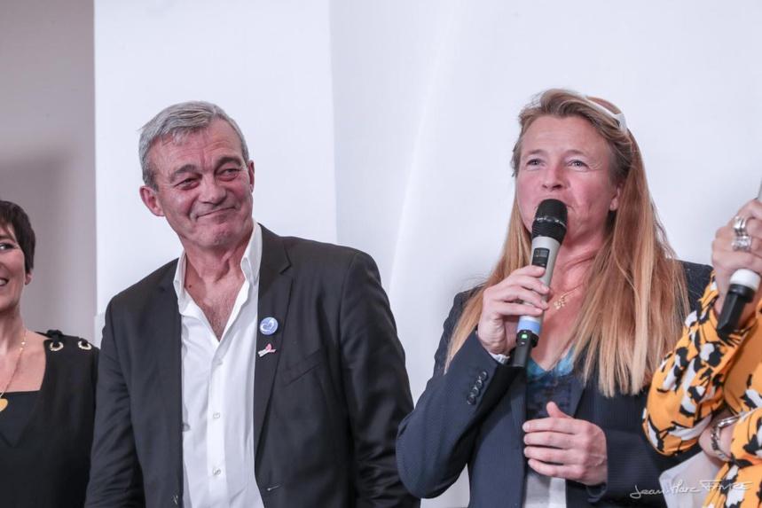 Marianne Bréchu au micro - Grand-Bornand : Glisse en cœur 12° édition @Jean-Marc Favre