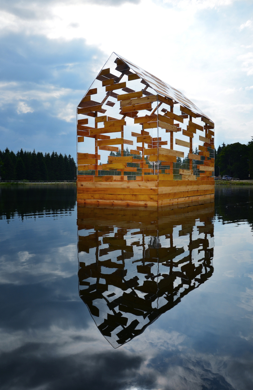 Walden Raft ©Elise Morin