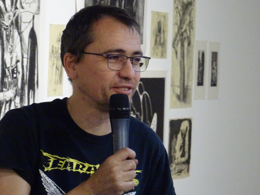Damien Deroubaix lors du vernissage à la FabriC//Salomon ©Paul Rassat