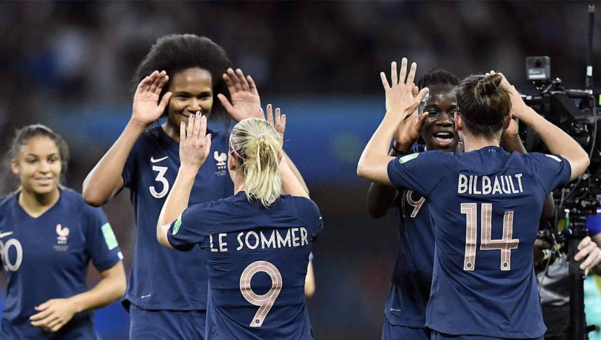 Les Bleues à la fin du match France-Norvège (2-1) © AFP