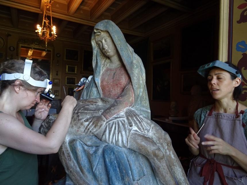 La Pietà entre les mains de Jennifer Vatelot et celles de Fanny Grué