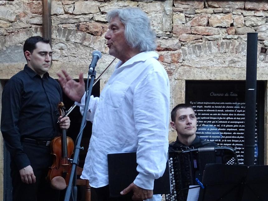 Comédien et musiciens