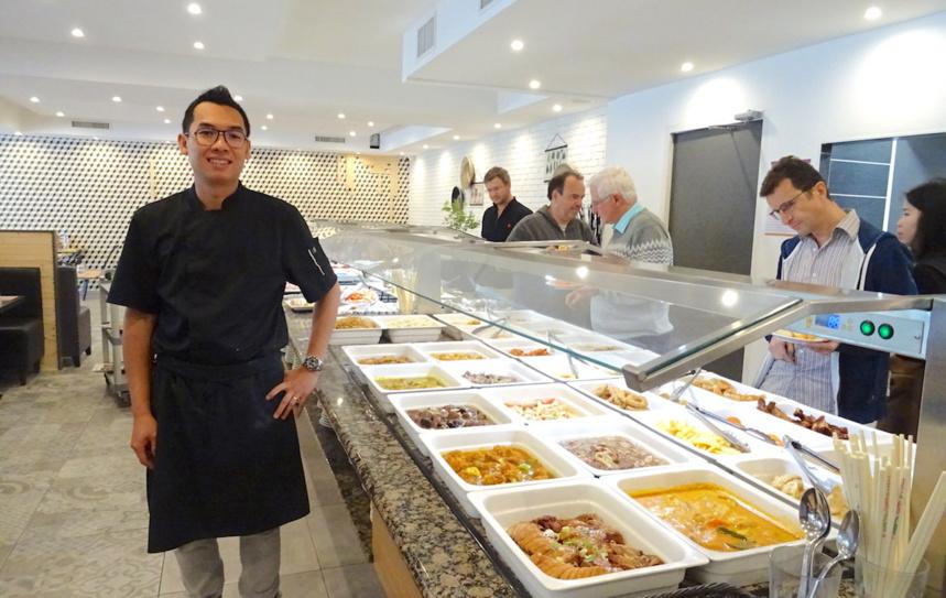 M. Le Tam - Gérant du Buffet Gourmand - Annecy Seynod ©MoveOnMag