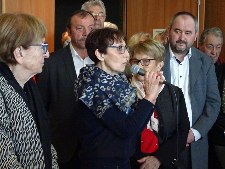 F. Camusso à gauche, Joëlle Derippe au micro
