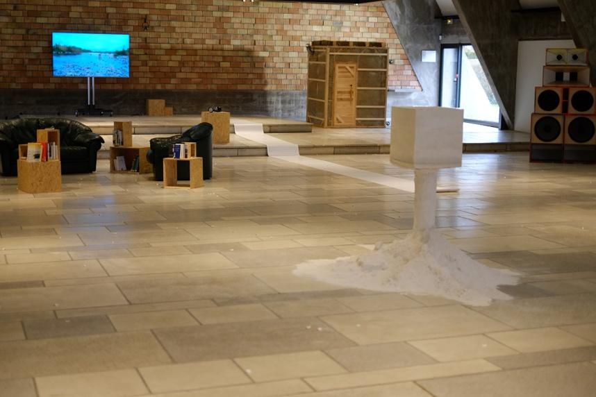 Installations. Photo © Curiox Centre d'Art et de Rencontres. Ugine
