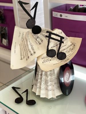 La musicienne en préparation ©Paul Rassat