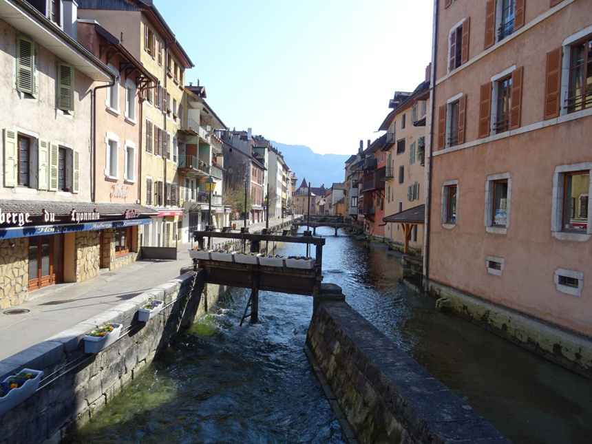 Annecy by day / Piaf, le retour