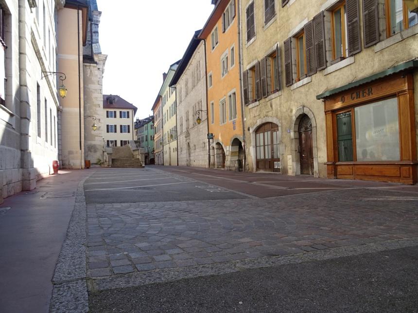 Annecy by day / Piaf, le retour