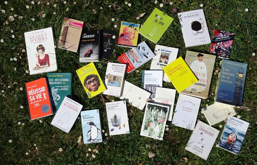 Confiné dans la lecture Confiné dans la lecture ©Paul Rassat