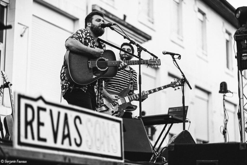 """Le groupe lyonnais Moxobe sur la scène de l'événement Rêvassons """"Super SuperChaud"""" ©Adriana Levet"""
