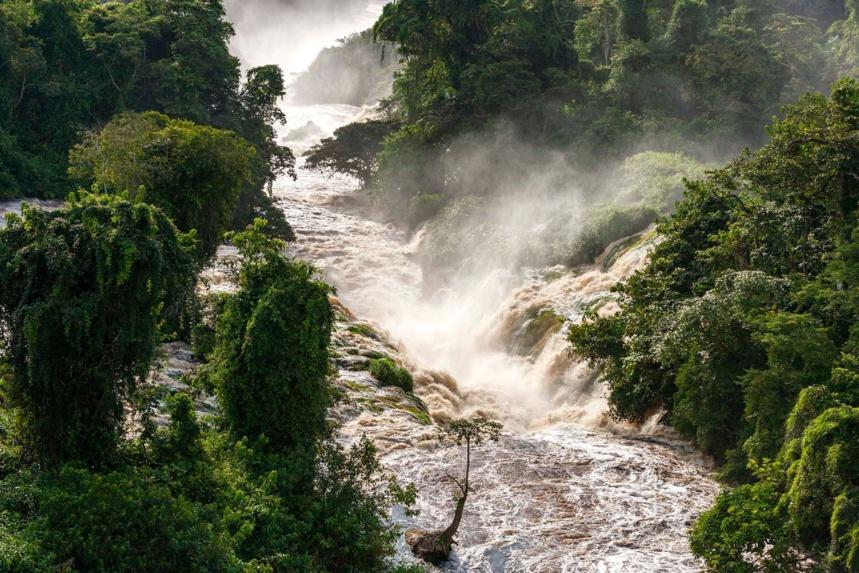 Cataractes de la rivière Idivo, Parc national de l'Ivindo, province de l'Ogooué-Ivindo, Gabon ©Legacy