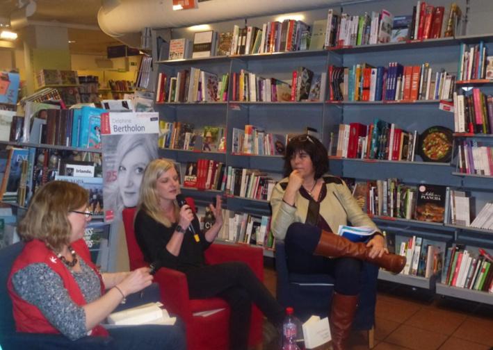 Delphine Bertholon était à Annecy Pour une rencontre chez Decitre