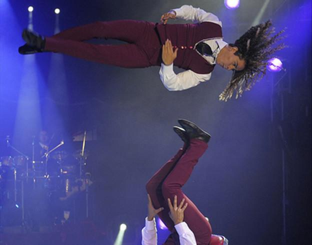 Légende indienne-Le mythe d'Icare, venu du Salvador, le duo Rodriguez / Copyright Cirque Medrano
