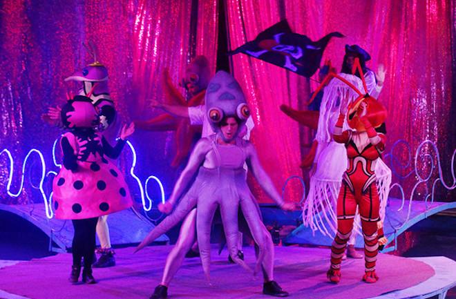 Des costumes époustouflants / Copyright Le Grand Cirque Sur l'Eau