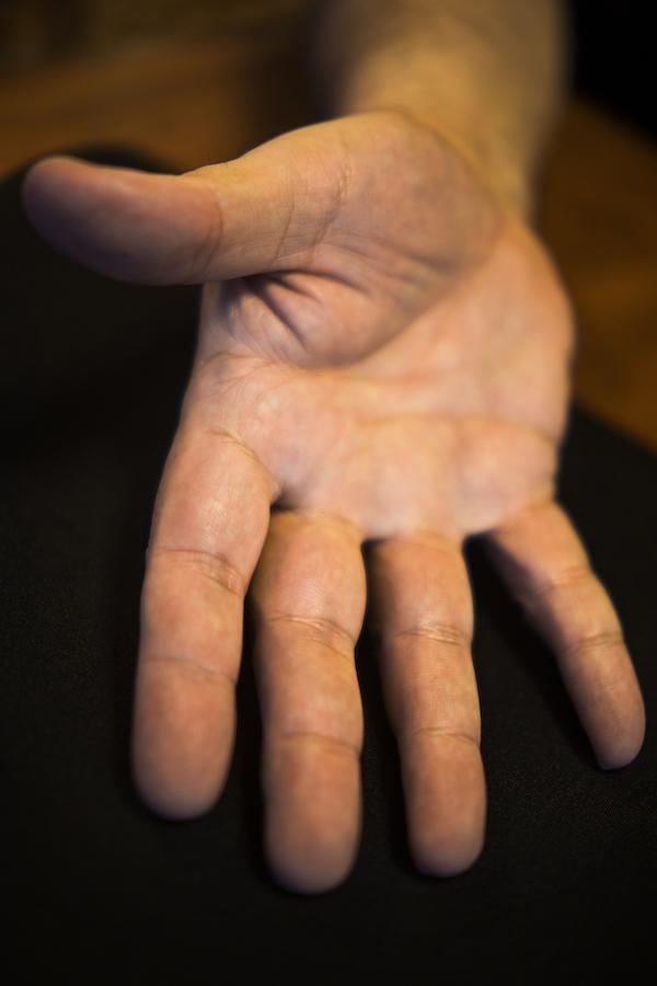 La main de Richard Castelli