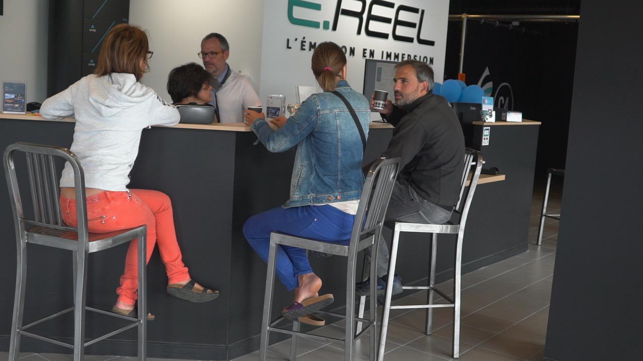 ... Mais aussi aux plus grands ! E.RÉEL / Salle d'arcade de réalité virtuelle - Annecy Grand-Epagny ©MoveOnMag