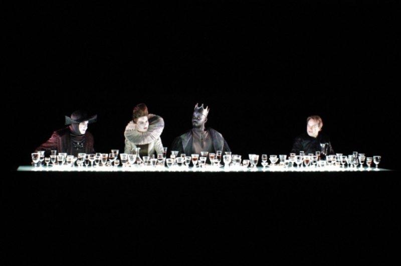 """""""La rose et la hache"""" Shakespeare revu par Carmelo Bene, mis en scène par Georges Lavaudant"""