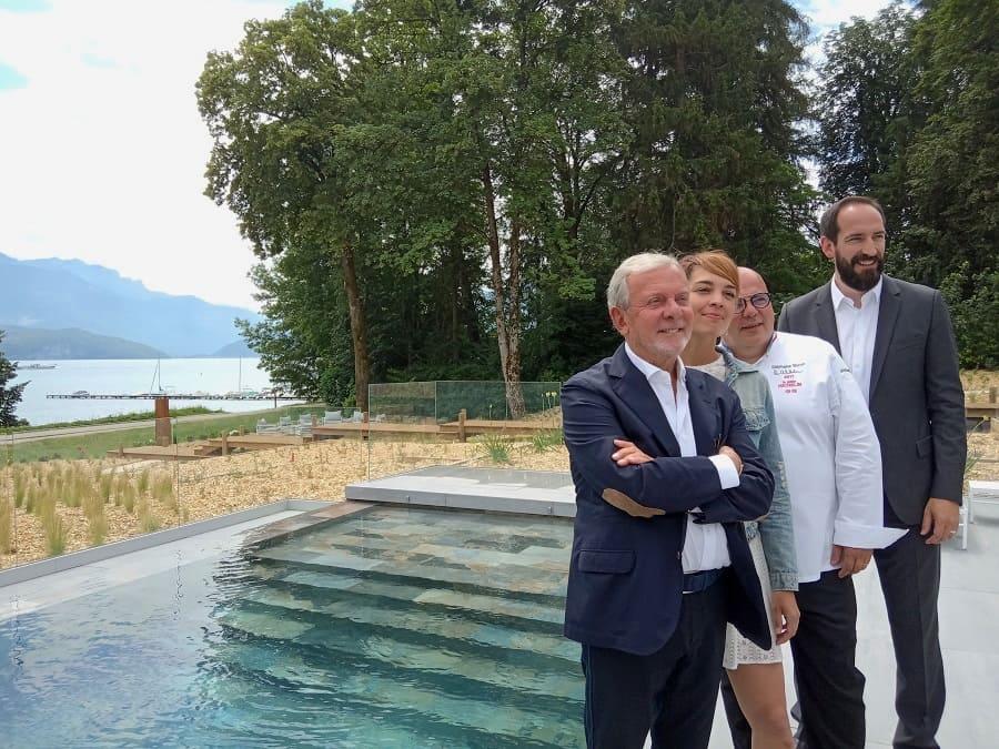 Jean-Claude Lavrel, Emilie Rollet, architecte, Stéphane Buron, chef 2*, Philippe Smekens, directeur accompagnant l'ouverture du Black Bass
