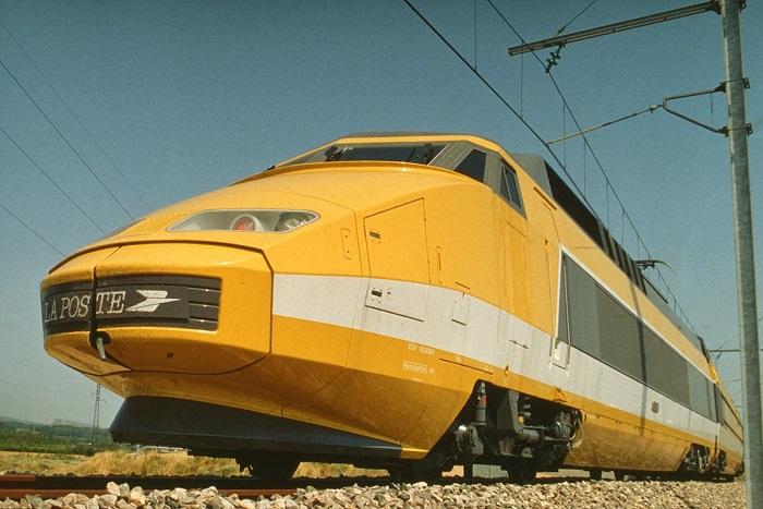 1984, le premier TGV postal © Photo l'Adresse Musée de La Poste. Paris