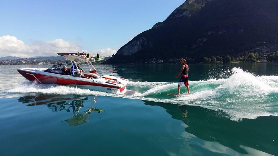 Découvrez LES FRÈRES COIN-COIN, au bord du lac d'Annecy ! + le JEU CONCOURS wakesurf