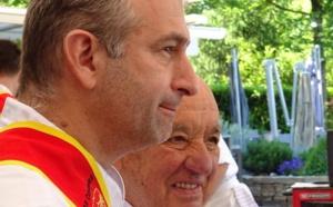 Yoann Conte avec Michel Rochdy, il y a quelques mois, côté jardin ©Paul Rassat