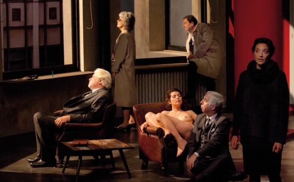 Le temps et la chambre de Botho Strauss, mis en scène par Alain Françon.