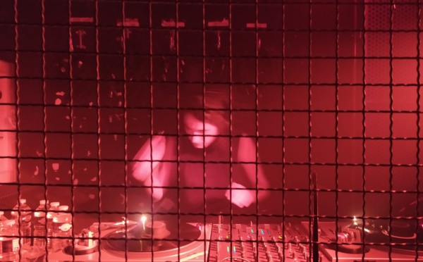 Olivia Mendez mixe à La Soirée [BP] La Station Gare des Mines